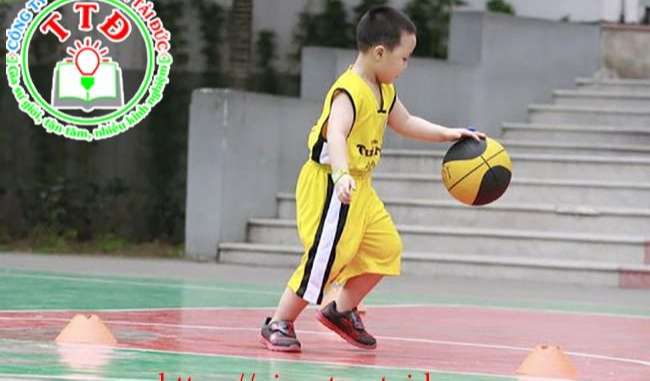 Gia sư dạy bóng rổ