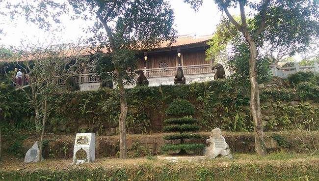 Chùa Phật Tích nằm trên một khuôn viên rất rộng rãi