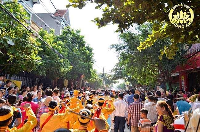 Lễ hội hàng năm ở làng nghề Đúc Đồng Đại Bái