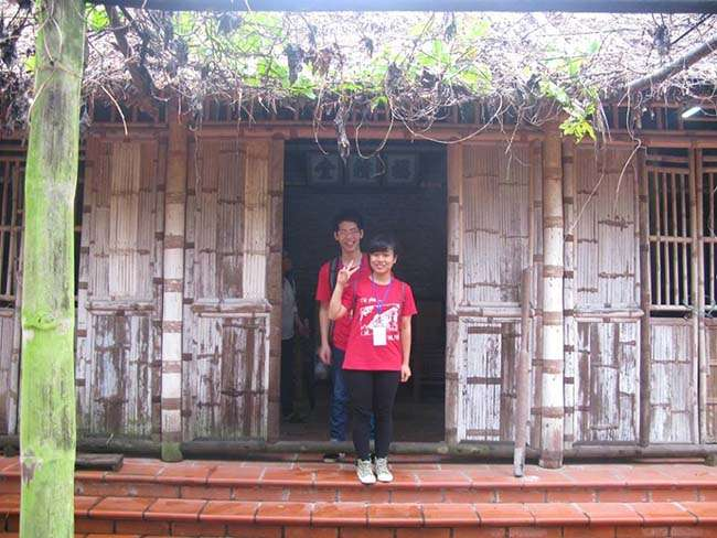 Một trong số những nhà nghệ nhân cổ còn lại ở làng tranh Đông Hồ