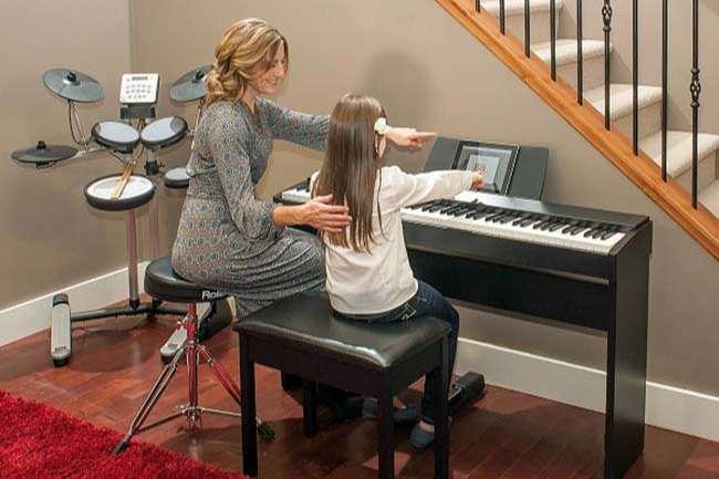 Tại sao nên mua đàn piano điện cho bé
