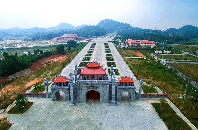 Đền Hùng là địa điêm du lịch nổi tiếng ở Phú Thọ