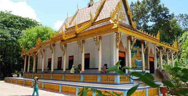 Địa điểm du lịch Chùa Rơi – Ngôi chùa có kiến trúc độc đáo tại Sóc Trăng