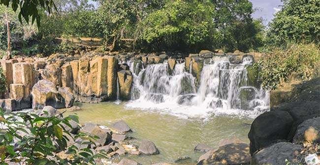 Địa điểm du lịch Thác Đứng – Nét đẹp hấp dẫn của Bình Phước