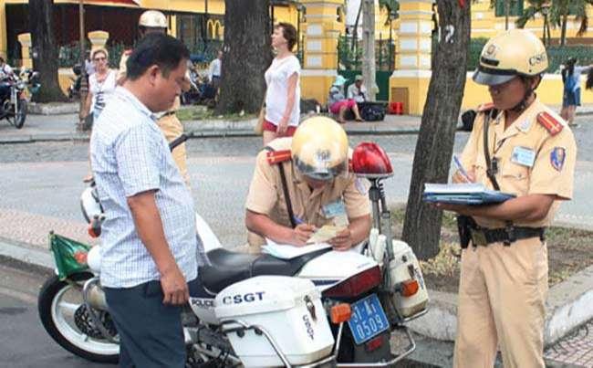 Đối với người điều khiển xe moto, xe gắn máy