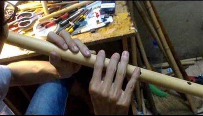 Cách đặt tay trên thân sáo