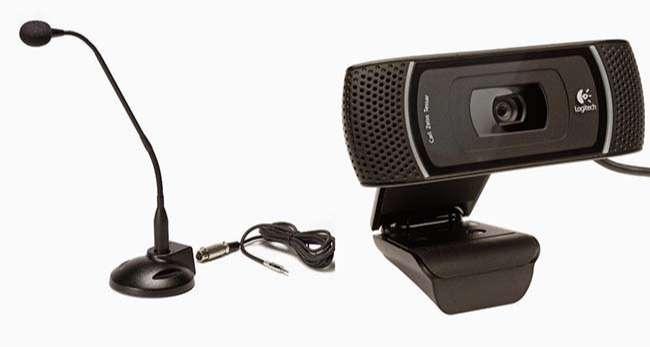 Microphone và Webcam là 2 thiết bị không thể thiếu khi stream