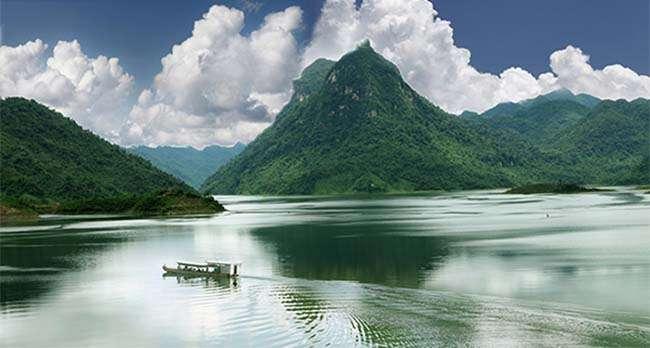 Ngọn núi nổi tiếng thuộc tỉnh Tuyên Quang