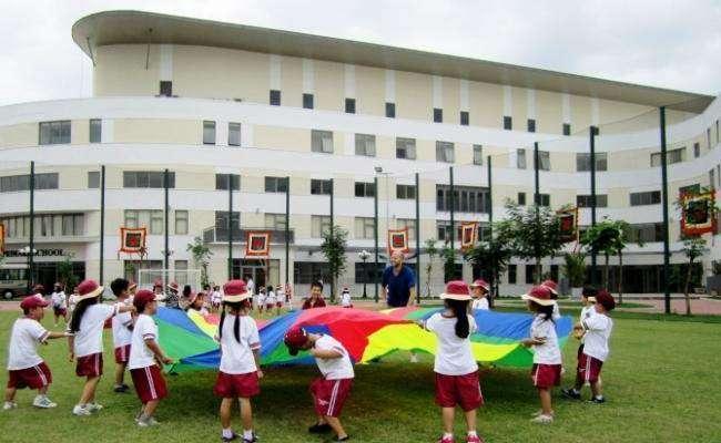 Trường quốc tế vài năm trở lại đây được quảng bá rất nhiều qua các phương tiện thông tin đại chúng