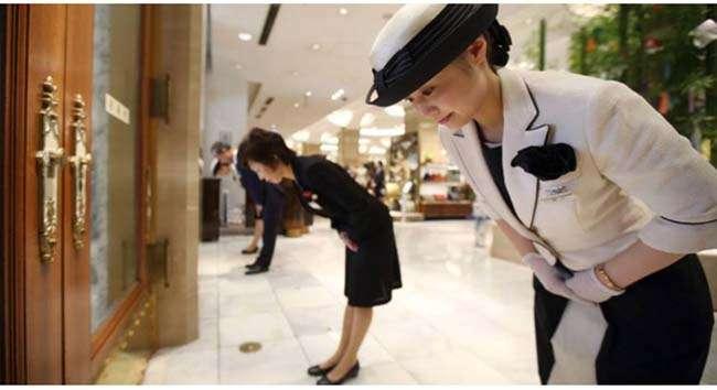 Phụ thuộc vào độ tuổi hay địa vị trong xã hội mà người Hàn thường có cách chào hỏi khác nhau