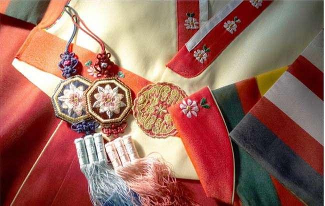 Trang phục truyền thống của Hàn Quốc