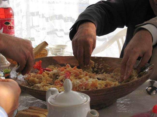 Đối với người Ấn, ăn bằng tay mang đến rất nhiều lợi ích