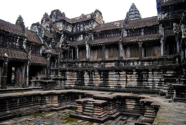 Angkor Wat (tiếng Khmer អង្គរវត្ត)