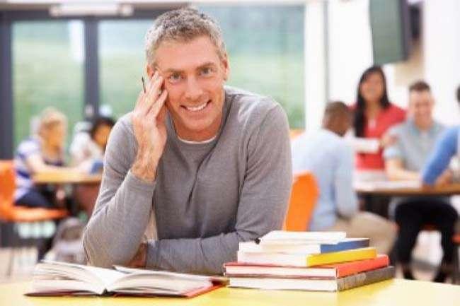 Các website miễn phí rất hữu ích trong việc học tiếng Anh cho người đi làm