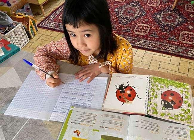 Con gái thứ hai của chị Nguyên-Kan tự học tại nhà