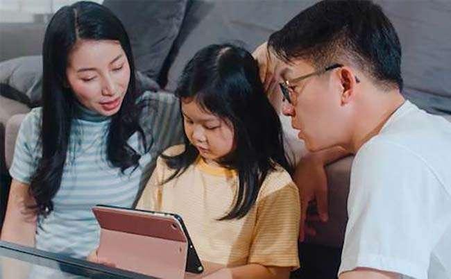 Nhiều trẻ có thêm động lực và tự tin khi học tiếng Anh cùng bố mẹ