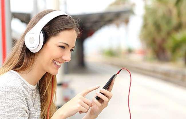 Phần lớn người học tiếng Anh không thể giao tiếp vì thiếu kỹ năng nghe