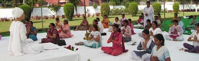 Thành viên tại các lớp học yoga phần nhiều là phụ nữ độc thân