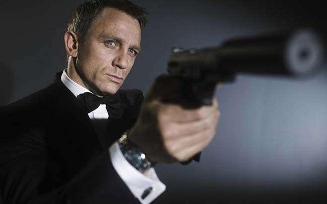Thần tượng của tôi Daniel Craig