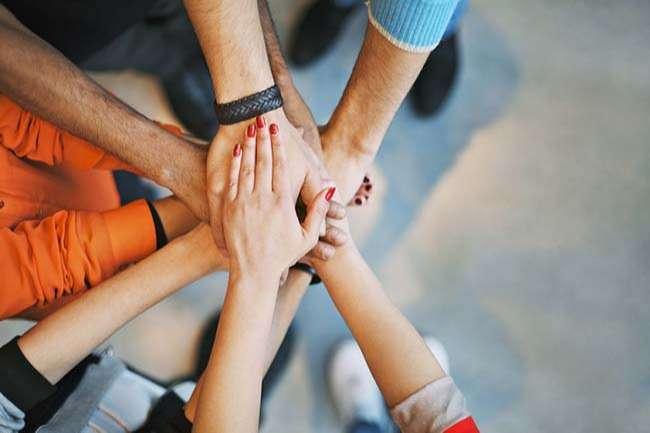Trợ giúp và tôn trọng lẫn nhau trong công việc