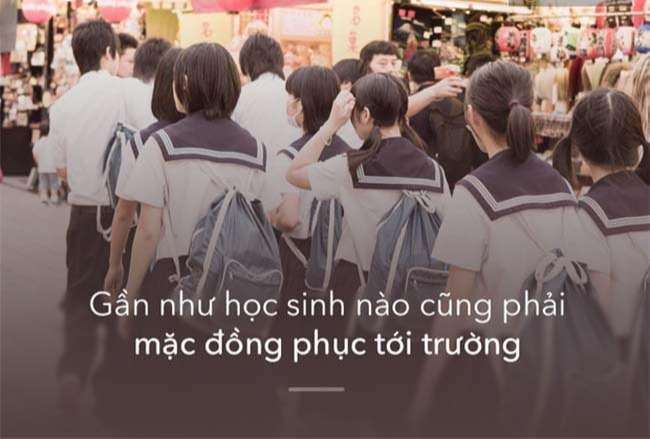 Gần như học sinh nào cũng phải mặc đồng phục tới trường