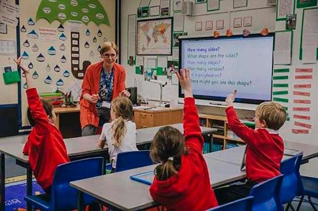 Quá trình xét tuyển giáo viên gắt gao