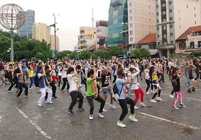 Trình diễn Flash mob cần lựa chọn địa điểm phù hợp để tránh ách tắc giao thông